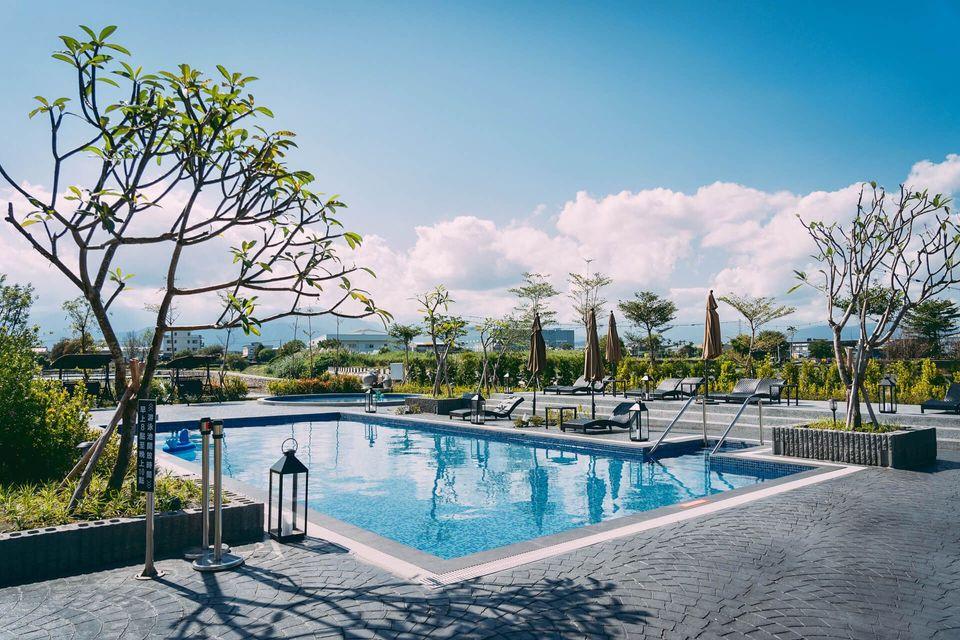 宜蘭民宿-特色宜蘭民宿-藏闊渡假會館 | 泳池